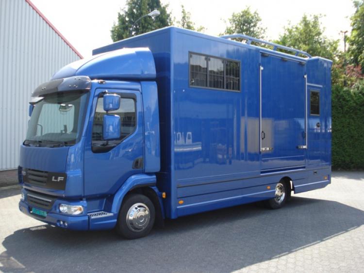 DAF LF 3-paards paardenwagen